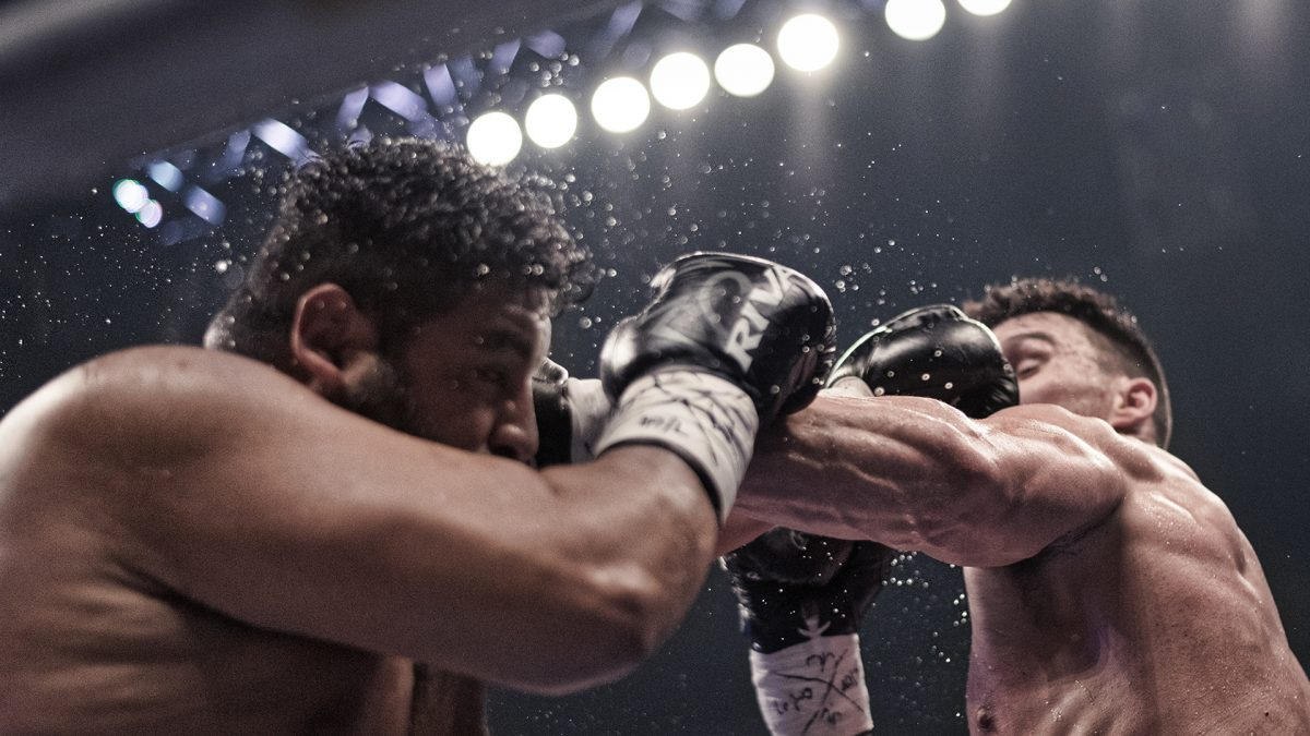 Boxers fighting Simon Kean Videotron Center water droplets in the air